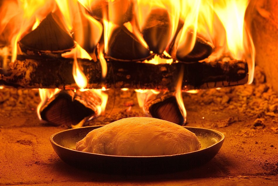 Baking bread and pizza in the oven